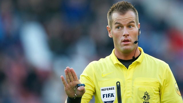 referee Danny Makkelie during the Dutch Eredivisie match between FC Utrecht and FC Twente at the Galgenwaard Stadium on November 18, 2012 in Utrecht, The Netherlands.(Photo by VI Images via Getty Images)
